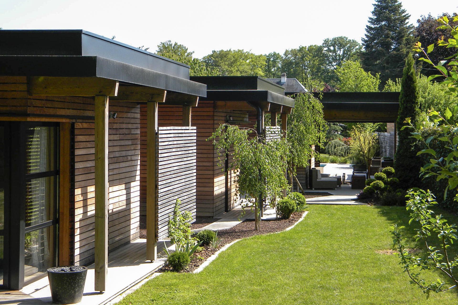 maison contemporaine en ossature bois type bbc 06 01. Black Bedroom Furniture Sets. Home Design Ideas